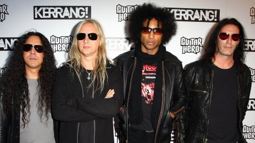 The Tragic Real-Life Story Of Alice In Chains