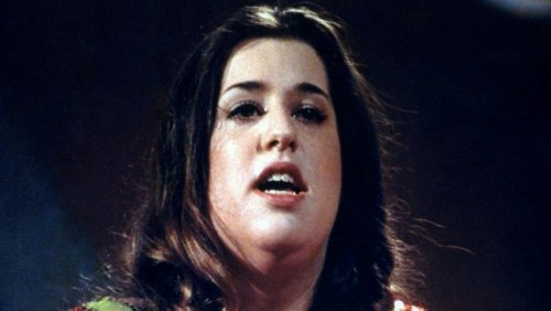 The Tragic Death Of The Mamas And The Papas' Cass Elliot