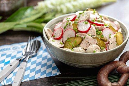 Der sommerliche Weißwurstsalat hat das Zeug zum Aufreger der Sommers