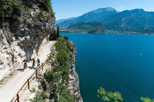 Nova trilha de bicicleta permitirá dar a volta no Lago de Garda, na Itália