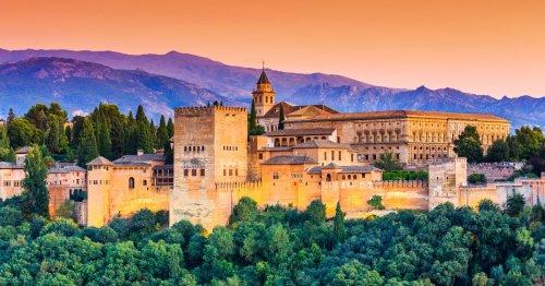Alhambra: viaggio estatico tra i tesori dei sultani di Granada | Guide Marco Polo