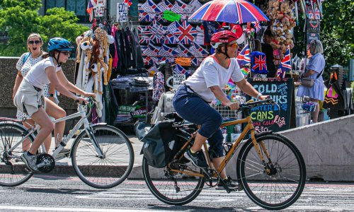 Big rise in UK weekend cycling amid calls for more investment