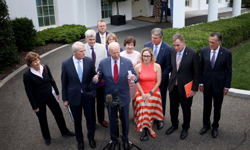 Biden reaches bipartisan infrastructure deal after meeting with senators