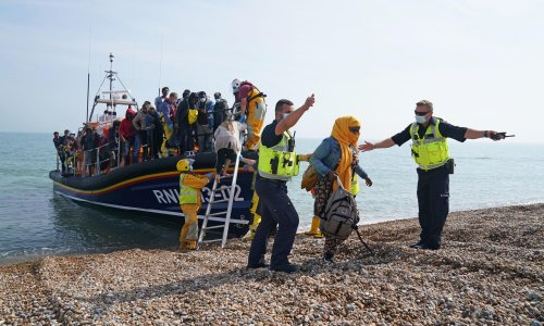 Concern for migrants' safety as hundreds resume Channel crossings