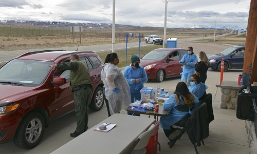 Blackfeet tribe gives surplus vaccines to First Nations relatives in Canada