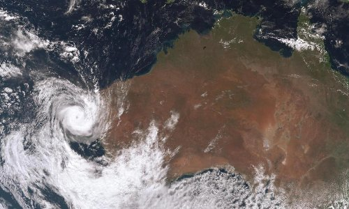 Cyclone Seroja 'threat to lives and homes' as WA communities told to shelter