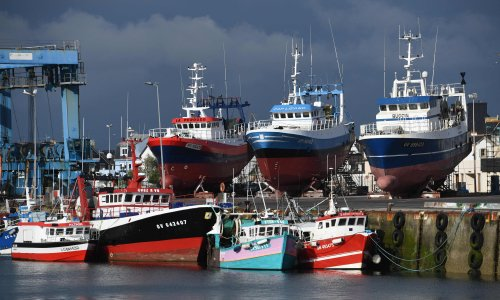 France threatens to cut off power to Jersey in post-Brexit fishing row