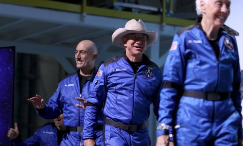 Billionaire space cowboys could become heroes by focusing on the climate crisis