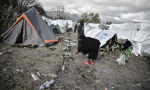 'A scene out of the middle ages': Dead refugee found surrounded by rats at Greek camp