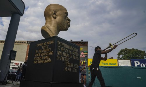 Defaced George Floyd statue moves to Manhattan – after toothbrush cleaning