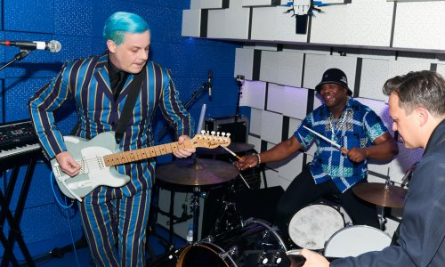 Jack White review – an ecstatic rock'n'roll augury