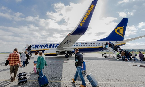 Vaccine passports 'essential' for resumption of international travel
