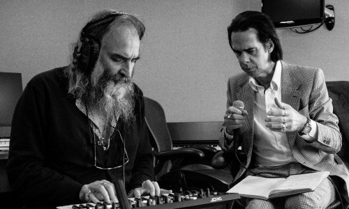 Nick Cave and Warren Ellis: Carnage review – vivid visions of apocalypse and absolution