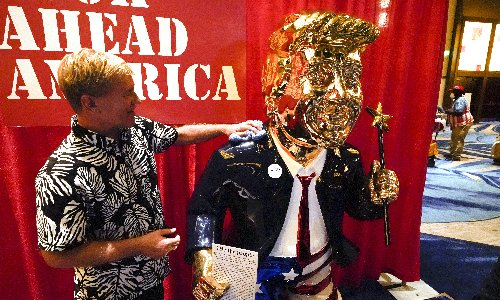 Golden Trump statue turning heads at CPAC was made in … Mexico