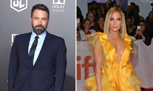 Why is the photo of Ben Affleck and Jennifer Lopez on a yacht so compelling?