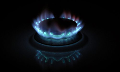 Monday briefing: Kwarteng steps on the gas