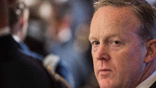 Sean Spicer, Trump's ex-media chief, applies to join White House press corps