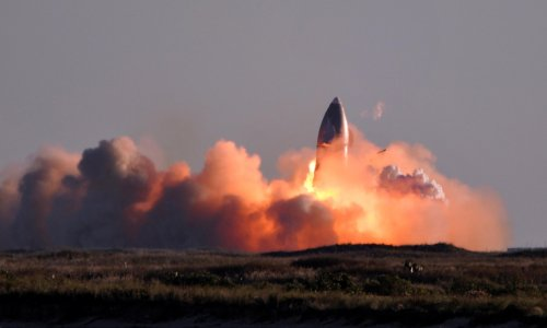 SpaceX Starship SN8 explodes on landing after test flight