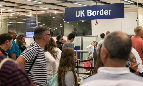 EU citizens are allowed to visit Britain for a job interview, says minister