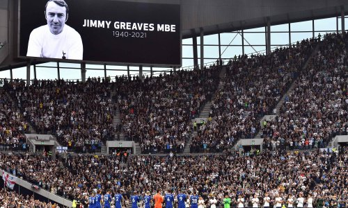 Tottenham and Chelsea put rivalry aside to remember Jimmy Greaves