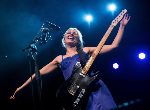 Wolf Alice review – delirious crowd drink in a night of sublime bedlam