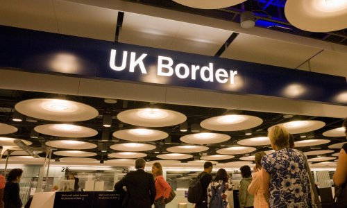 Wednesday briefing: EU citizens must rush to stay, say UK experts