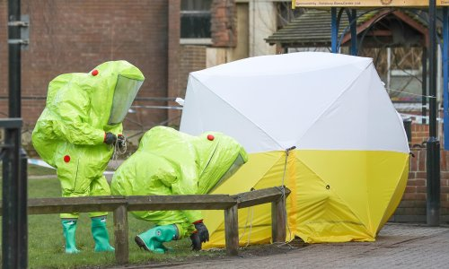 Delaying UK novichok poisonings inquiry 'could put more lives at risk'