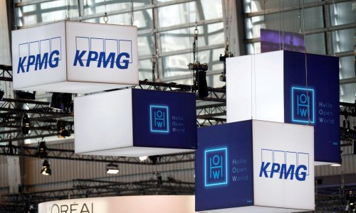KPMG UK staff to work in office only two days a week after pandemic