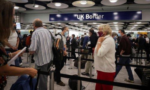 Delays at UK airports as IT failure hits biometric passport gates