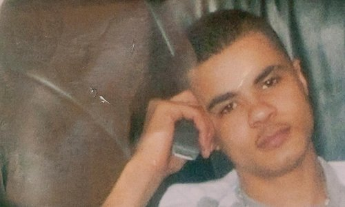 Mark Duggan's family: police 'lack courage' to reopen investigation
