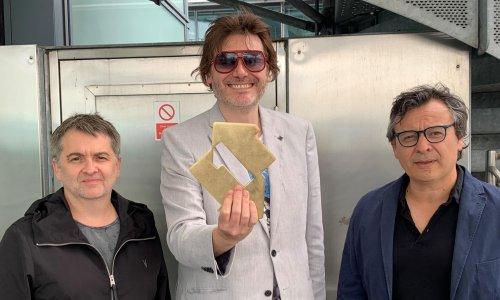 Manic Street Preachers score first No 1 album in 23 years