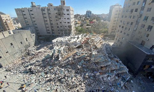 Israeli strike destroys Gaza tower housing media organisations