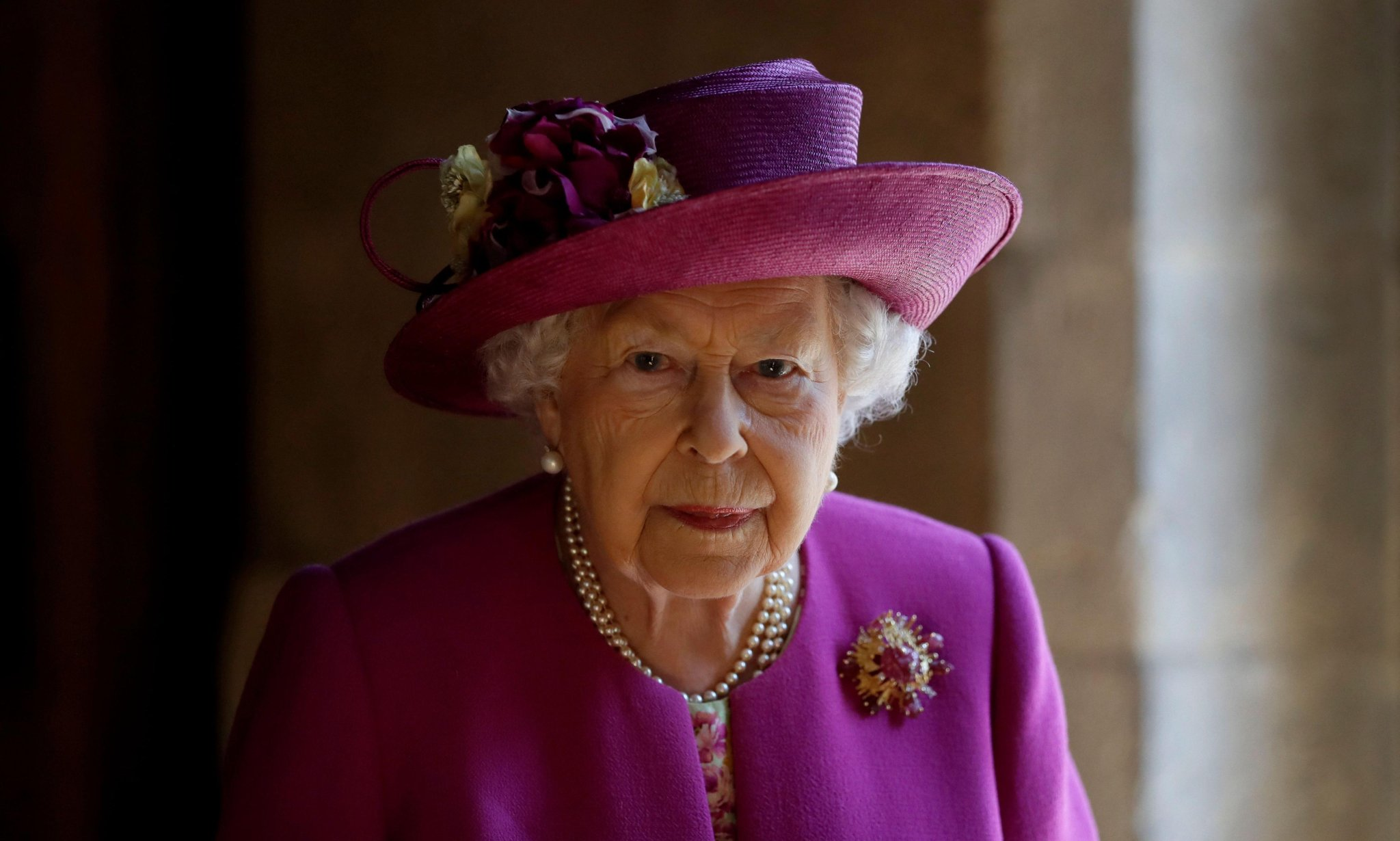 Queen's platinum jubilee to be marked with four-day bank holiday in 2022