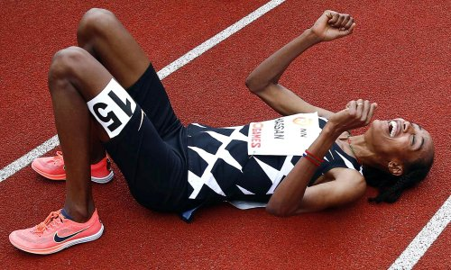 Sifan Hassan smashes women's 10,000m record by 10 seconds in super spikes
