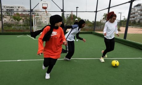 Les Hijabeuses: the female footballers tackling France's on-pitch hijab ban