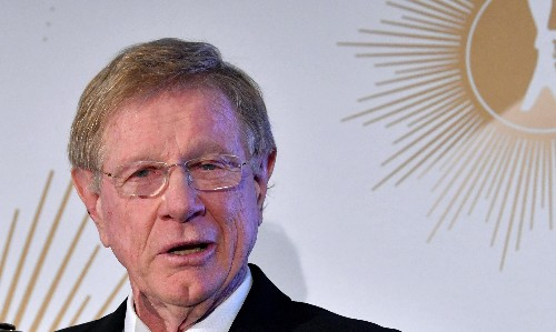 Kerry O'Brien rejects Australia Day honour in protest against Margaret Court's award