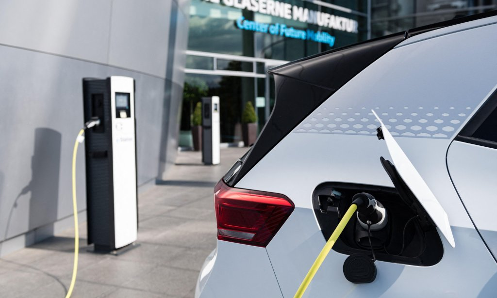 Electric Vehicles / Batteries - cover