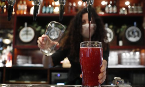 Sunak unveils overhaul of alcohol duty and tax cuts on some drinks