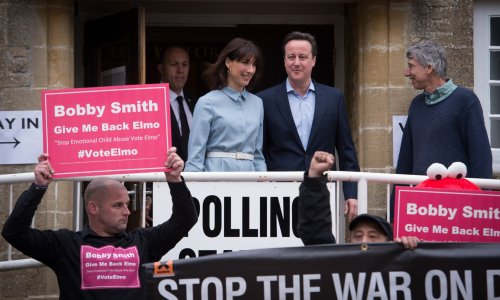 Cameron on track to remain PM after electoral triumph