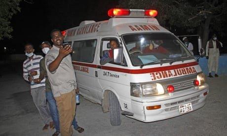 Rickshaw bomb kills 10 as Islamists target Mogadishu restaurant