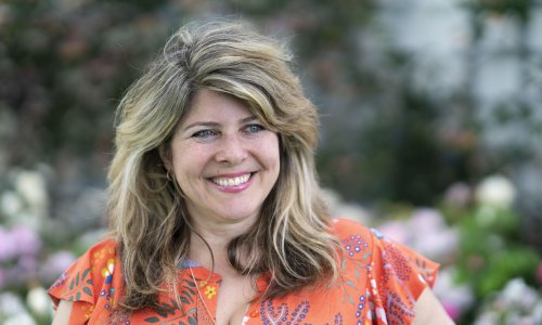 Naomi Wolf banned from Twitter for spreading vaccine myths