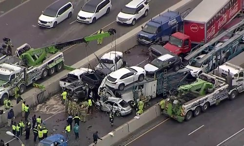 Texas interstate crash: at least five killed in pileup of up to 100 vehicles
