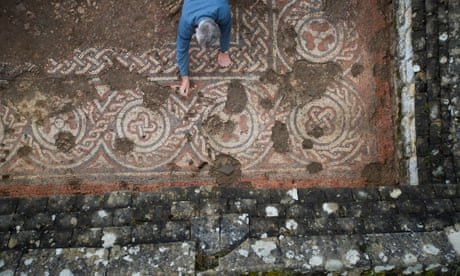 Stunning dark ages mosaic found at Roman villa in Cotswolds