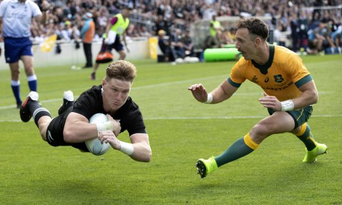 Bledisloe Cup to continue after New Zealand grants travel exemption to Wallabies