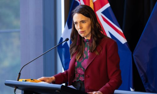 Jacinda Ardern to apologise for 1970s 'dawn raids' on Pacific community