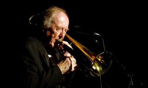 Chris Barber, British trad jazz bandleader, dies aged 90
