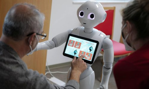 Study explores inner life of AI with robot that 'thinks' out loud