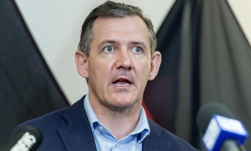 Northern Territory chief minister and US senator Ted Cruz in Twitter spat over Covid vaccines