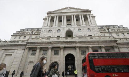 Thursday briefing: UK recovery slows amid 'pingdemic'