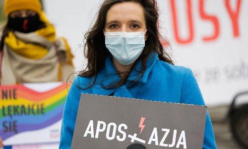 Poland activists urge people to think before ticking Catholic box in census